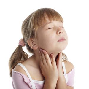 Как лечить горло у ребенка