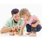 игра ребенка с родителями