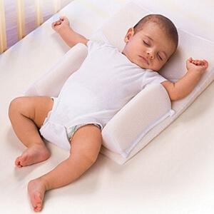 ребенок ворочается во сне