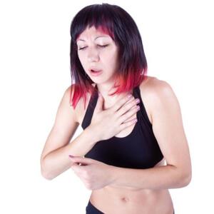 боль в грудной клетки причины